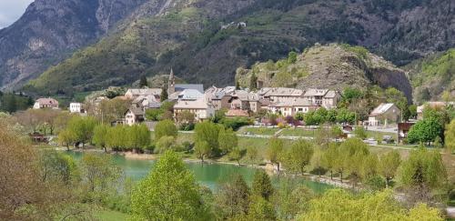 Le Lauzet Le Village